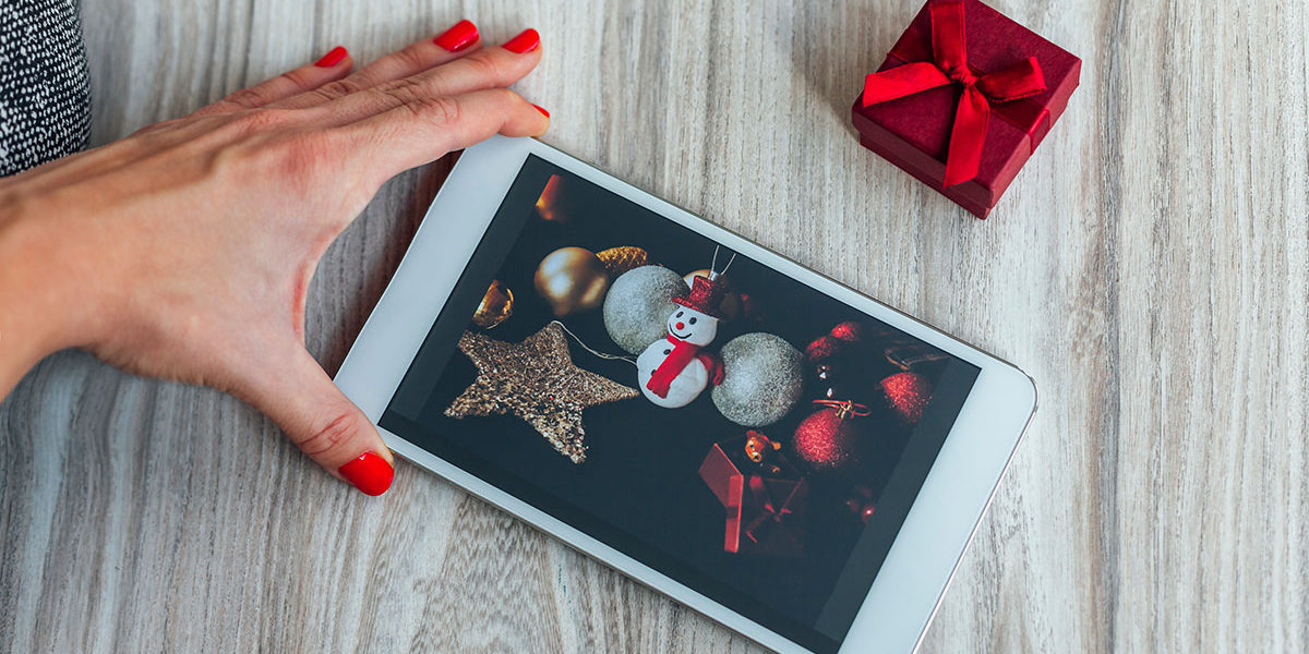 tech holiday gifts that everyone will enjoy